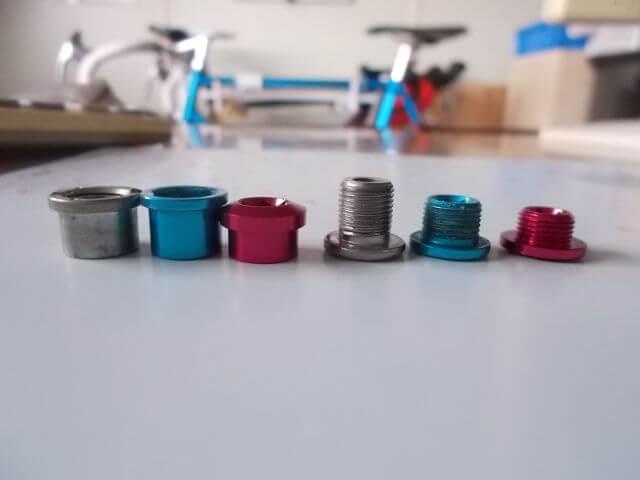 3種類のチェーンリングボルト