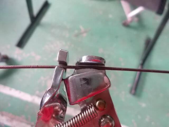 C-356はワイヤーをつかんで引く