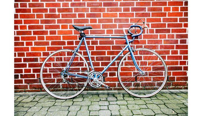 初心者にとっての良い自転車は金属フレームだと思う